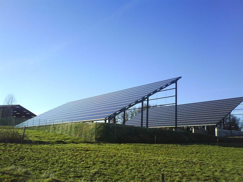 B timent et hangar agricole photovolta que pour agriculteurs - Hangar photovoltaique agricole ...